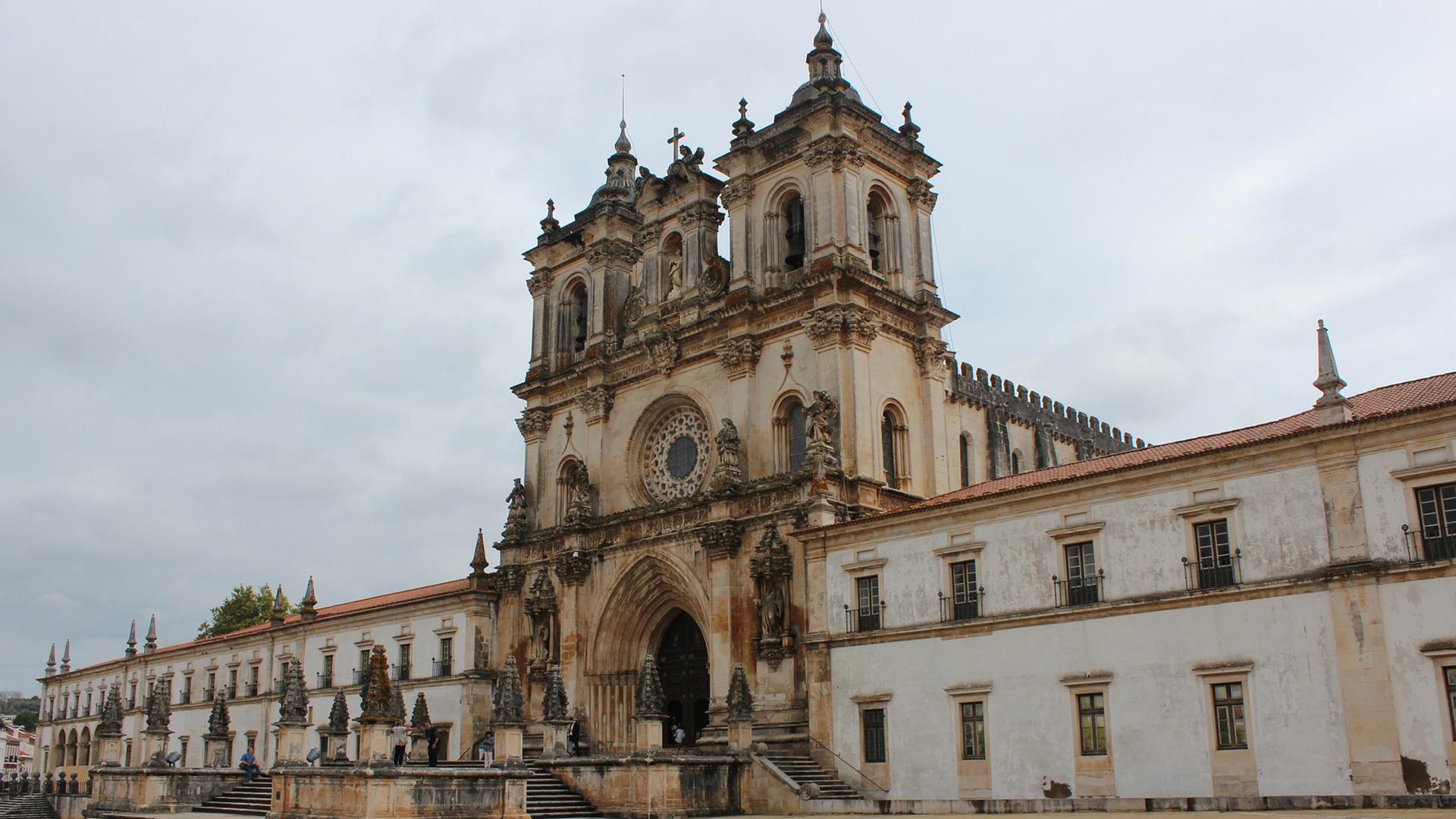 Óbidos Alcobaça Batalha Nazaré